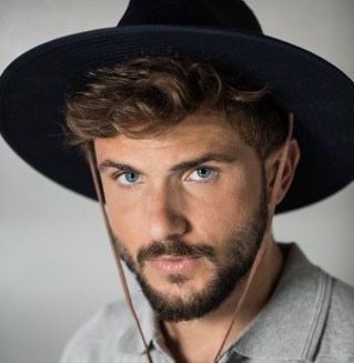 כובעים